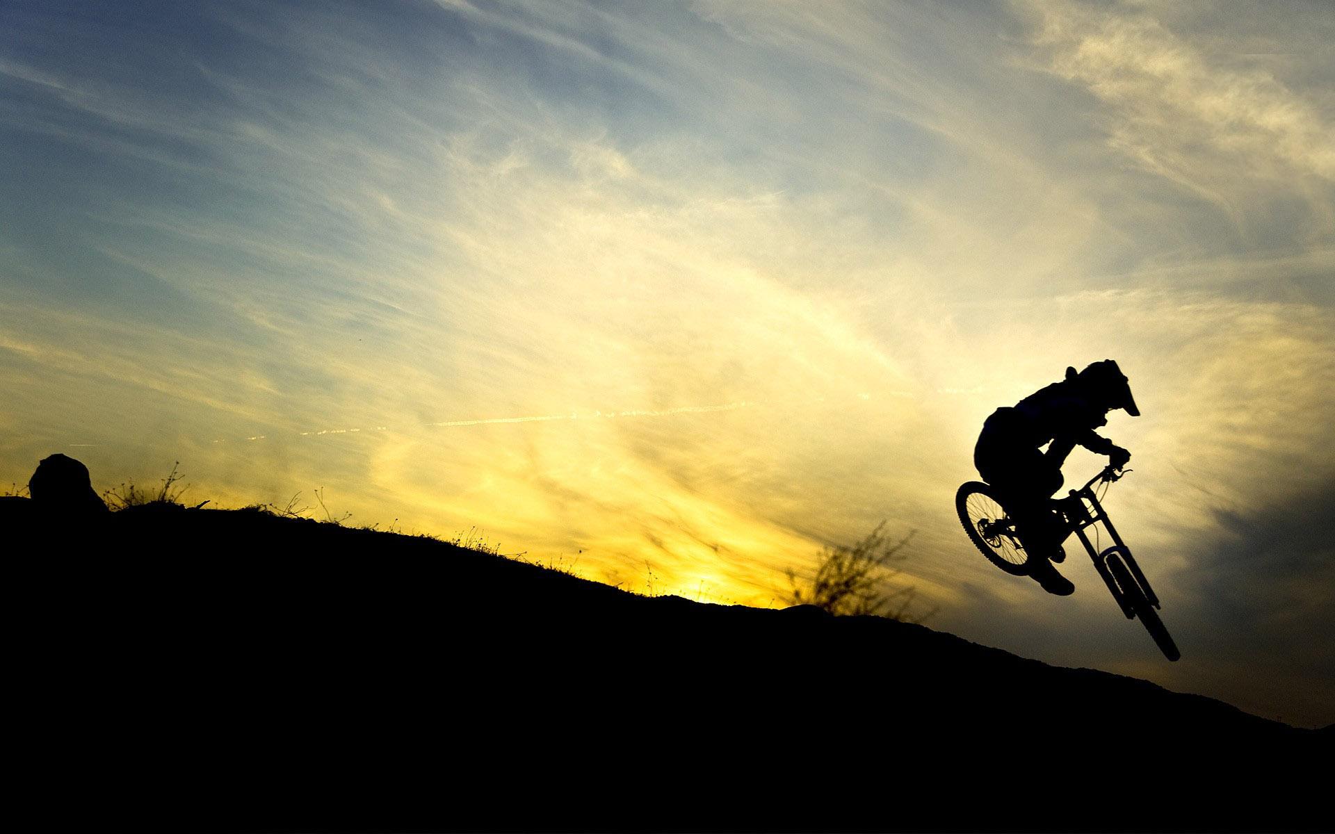 downhill-biker-silhouette-15756